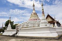 Wat Songtham Worawihan på Amphoe Phra Pradaeng i Samut Prakan, Thailand Royaltyfri Bild