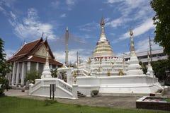 Wat Songtham Worawihan på Amphoe Phra Pradaeng i Samut Prakan, Thailand Arkivbild