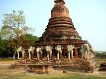 Wat Sorasak in altem Sukhothai Thailand stockfotos