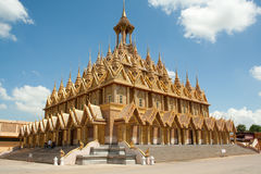 Wat Tha Sung. The golden beauty of Thai architecture of Wat Tha Sung Stock Photos
