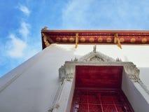 Wat Thai met aardige hemel Royalty-vrije Stock Foto's