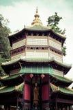 观世音菩萨塔在地方老虎洞寺庙(Wat Tham Suea) K 库存图片