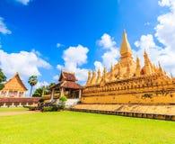 Wat Thap Luang in Laos lizenzfreies stockbild