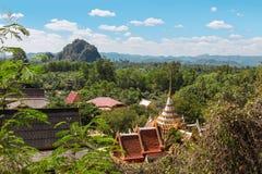 Wat Thep Charoen près de Chumphon, Thaïlande Images stock