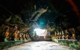 Wat Thum-koo ha oder Koo Ha-Höhlentempel Lizenzfreies Stockbild