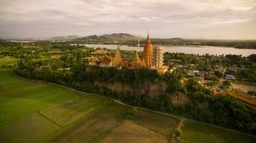 wat thum sua kanchanaburi泰国重要budd鸟瞰图  库存照片