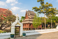 Wat Thung Si Muang en Ubon Ratchatani en Tailandia Fotos de archivo libres de regalías