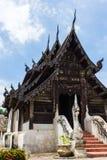 Wat Ton Kain, capilla de madera de la teca vieja en el chiangmai, Tailandia Fotos de archivo