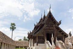 Wat Ton Kain, capilla de madera de la teca vieja en el chiangmai, Tailandia Foto de archivo libre de regalías
