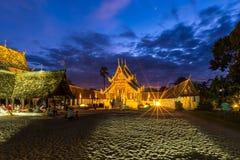 Wat Ton Kain Old trätempel Arkivbild
