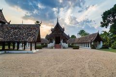 Wat Ton Kain, templo de madera viejo Fotos de archivo