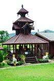 Wat Tophae em Khun Yuam em Mae Hong Son Province de Tailândia norte fotos de stock