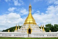 Wat Tophae på Khun Yuam i Mae Hong Son Province av norr Thailand Fotografering för Bildbyråer