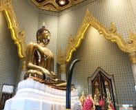 Wat Traimit金黄寺庙的金黄菩萨在唐人街在曼谷,泰国 免版税库存图片