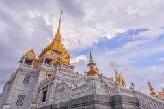 Wat Traimitr Withayaram con la tempesta della nuvola sul cielo Fotografia Stock