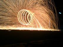 Wat vuurwerk/het lichte die schilderen door katoenen staal wordt geproduceerd Royalty-vrije Stock Afbeelding