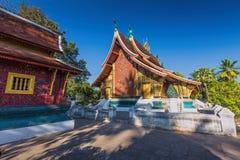 Wat Xieng läderremtempel, Luang Pra smäll Arkivbilder
