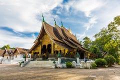 Wat Xieng Thong en populär buddistisk tempel i Luang Prabang som är laotisk royaltyfri fotografi