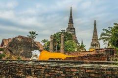 Wat Yai Chai Mongkhon lizenzfreie stockbilder