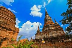 Wat Yai Chai Mongkhon i Thailand Arkivfoto