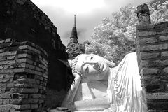 Wat Yai Chai Mongkol i Ayutthaya Thailand royaltyfri foto
