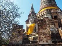 Wat Yai Chaimongkol tempel i ayutthaya Royaltyfri Bild