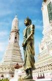 Wata Arun świątynia świt fotografia stock