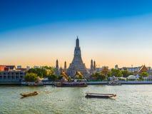 Wata Arun świątynia świt w Bangkok Tajlandia obraz stock