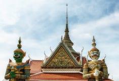 Wata Arun świątynia Jutrzenkowi demony stoi strażnika Obrazy Royalty Free