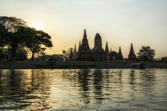 Wata chaiwatthanaram rzeka zdjęcie stock