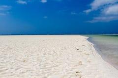Il Kenia. La spiaggia più bella della zona. Fotografia Stock Libera da Diritti