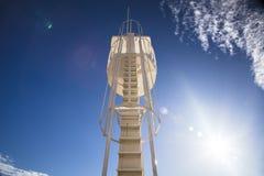 Watchtower med bakgrunder för blå himmel Royaltyfria Bilder