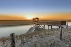 Watchtower på Nordsjöndyn under solnedgång Arkivbilder