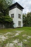 Watchtower vandaag Het concentratiekamp van Dachau Stock Foto's