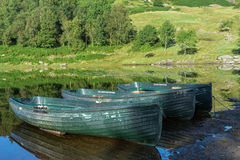 WATENDLATH, LAKE DISTRICT/ENGLAND - AUGUST 31 : Rowing boats moo Royalty Free Stock Photography