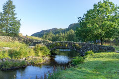 WATENDLATH, LAKE DISTRICT/ENGLAND - AUGUST 31 : Watendlath Bridg Royalty Free Stock Photography