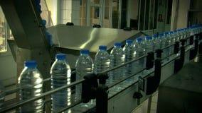 Water_bottle在工厂 影视素材