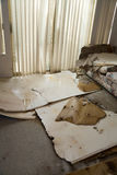 Water dat beschadigd huis lekt Stock Foto