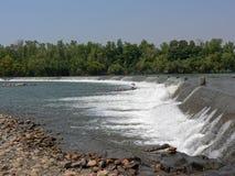 Water die over de Ivanhoe-Kruising stromen stock foto