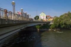 Water die van Mur River aan de Donau stromen Stock Afbeeldingen