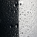 Water drops black and white background Royalty Free Stock Photography