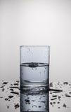 Water in een glas Stock Foto