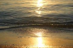 Water en een strand Royalty-vrije Stock Fotografie