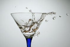 Water en glas stock afbeelding