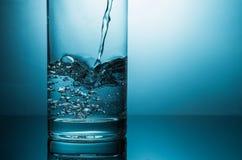 Water en glas stock foto