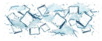 Water en ijsblokjesplons Stock Foto