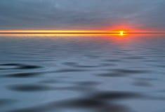 Water en zonsondergang royalty-vrije illustratie