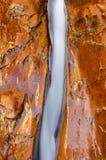 Water erosion, vänster gaffel av den norr liten vikfloden Arkivfoton
