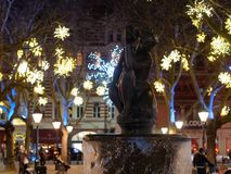 Free Water Fountain And Christmas Lights At Sloan Square, London, UK Stock Photography - 166139662