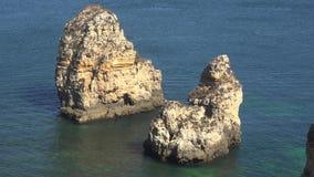 Water geërodeerde rotsvormingen stock video